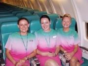 Thời trang - Những đồng phục hàng không bị chê tả tơi trên thế giới