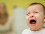 """Dạy con - Chiêu độc khiến con nín khóc """"một phát ăn ngay"""""""