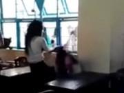 Tin tức - Làm rõ clip nữ sinh bị đánh hội đồng