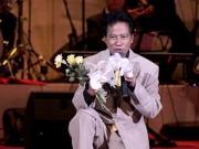 Làng sao - Chế Linh không dự đám cưới con trai vì đi diễn