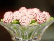 Món ngon - Tỉa hoa từ củ cải đỏ trang trí bàn ăn
