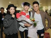 Làng sao sony - Hồng Đăng, Nhã Phương tươi rói ra sân bay đón Kang Tae Oh