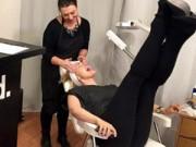 Mang thai 6-9 tháng - Đắp mặt nạ sữa mẹ giá 1 triệu đồng gây sốt