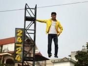 Tin tức - Clip chàng trai bay lơ lửng trên không trung ở Hà Nội