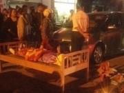 Tin tức - Mở cửa xe ô tô bất cẩn gây tai nạn chết người