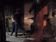 Chuyện tình yêu - Bạn gái cởi áo khoe ngực vì cãi nhau, chàng trai chạy làng