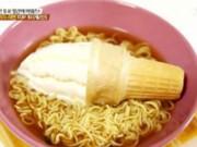 Món ngon - Độc đáo món mì tôm trộn kem ốc quế xứ Hàn