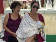 Làng sao - Ốc Thanh Vân che khăn cho con bú giữa siêu thị