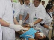 4 nạn nhân vụ sập giàn giáo đang rất nguy kịch