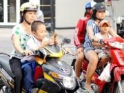 Tin trong nước - Từ 10/4, HS phải đội mũ bảo hiểm khi ngồi trên xe máy