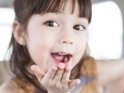 Làm mẹ - Thói quen xấu từ nhỏ khiến bé gái kém xinh