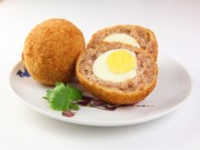 Bếp Eva - Thịt bọc trứng chiên xù hấp dẫn các bé