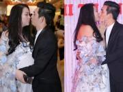 Làng sao - Phi Thanh Vân bế bụng bầu liên tục hôn chồng