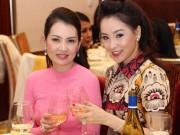 Thái Như Ngọc xinh đẹp dự sinh nhật Kim Thoa
