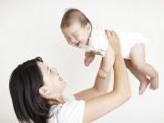 Làm mẹ - Những kiểu chăm con làm hỏng vóc dáng của bé