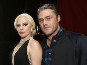 Làng sao - Lady Gaga và chồng sắp cưới tình tứ trên thảm đỏ