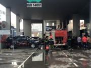 Tin tức - Cháy Toyota Mỹ Đình, hàng chục người tháo chạy