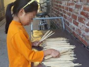Tin tức - Cách phát hiện đũa ăn một lần có hóa chất tẩy tóc, tẩy giấy