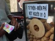 Tin tức - Tủ bánh mì miễn phí giữa Sài Gòn