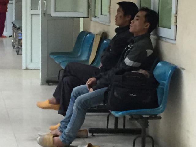 Hà Nội: Sập giàn giáo xây dựng, nhiều người bị thương