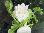Clip Eva - Trang trí đĩa ăn bằng hoa củ cải đẹp mắt