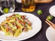Bếp Eva - Thịt bò xào cần tây nhanh gọn
