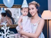 Làng sao - Maya tự tay trang trí mừng sinh nhật con gái tròn 1 tuổi
