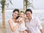 Làng sao - Vợ chồng Trang Nhung khoe ảnh cưới chụp cùng con gái