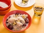 Bếp Eva - Móng giò hầm táo đỏ bổ dưỡng