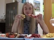 Clip Eva - Không thể tin nổi đây là bữa sáng của một người mẫu
