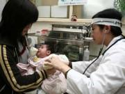 Tin tức - Trẻ nhập viện do bố mẹ ủ ấm quá kỹ