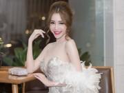Làng sao - Elly Trần khoe nhan sắc mặn mà hậu sinh nở
