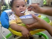 Làm mẹ - Trẻ tụt cân, rối loạn tiêu hóa thường xuyên vì ăn dặm sai cách
