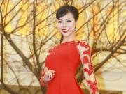 Làng sao - Á hậu Trà Giang đẹp dịu dàng trong tà áo dài
