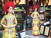 Thời trang - Hoa hậu Việt kiều hân hoan lần đầu mặc áo dài đón xuân
