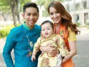 Làng sao - Khánh Thi - Phan Hiển khoe con trai mặc áo dài đáng yêu