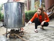 Làng sao - Mỹ Tâm giản dị nấu bánh tét, làm mứt tại quê nhà