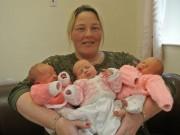 Bà bầu - Chuyện lạ: Mẹ mang thai 3 hoàn toàn tự nhiên