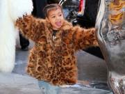 """Con gái Kim Kardashian """"cực chất"""" trên phố New York"""