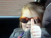 Clip Eva - Không thể tin nổi: Bé gái 3 tuổi lái siêu xe điêu luyện
