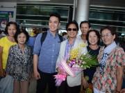 Danh ca Chế Linh gây xôn xao tại sân bay Tân Sơn Nhất