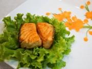 Món ngon nhà mình - Cá hồi áp chảo sốt chanh dây - MN10008