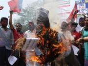 Tin tức - Ấn Độ: Thiếu nữ 15 tuổi bị cưỡng hiếp, thiêu sống