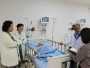 Sức khỏe - Lấy khối u 13kg trong bụng cụ bà 100 tuổi