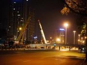 Tin tức - Rơi dầm thép khổng lồ giữa đêm ở Hà Nội