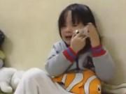 Clip Eva - Cô bé khóc nức nở gọi điện vì nhớ anh trai đi học ở xa