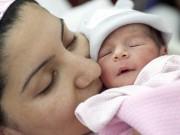 """Bà bầu - """"Sốc"""" với những câu chuyện sinh con mới biết có thai"""