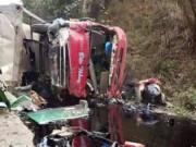 Tin tức - Tông xe khách, xe bồn bốc cháy, ít nhất 3 người chết