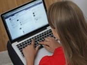 5 kiểu ảnh của bé mẹ đăng lên Facebook dễ hại con