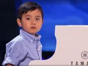 Làm mẹ - Khán giả Mỹ 'phát cuồng' với bé 4 tuổi gốc Việt đẹp trai, đàn hay